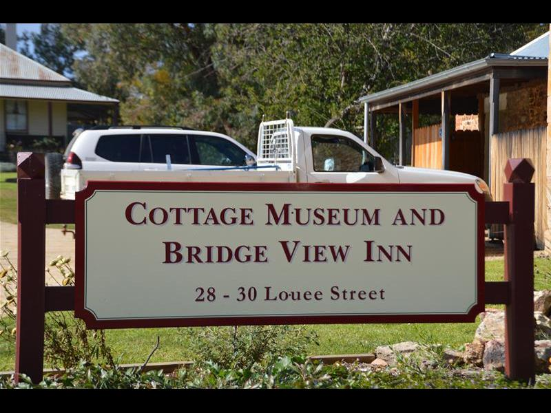 Cottage Museum and Bridge View Inn
